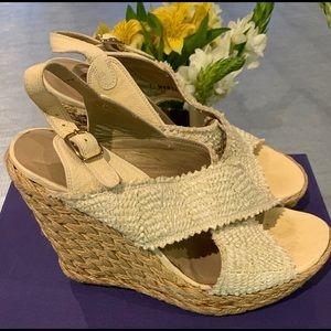 Stuart Weitzman Wedge Ivory Raffia Size 6.5 sandal